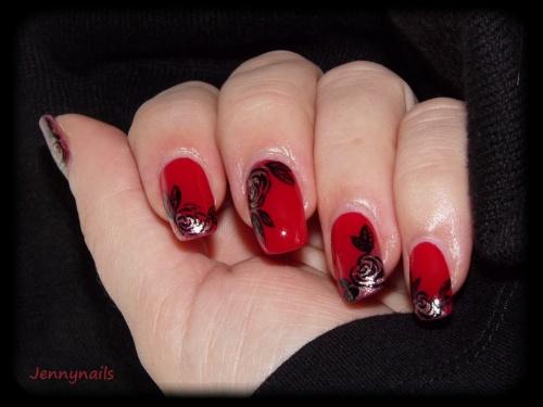 - Nail art - Roses sur satin