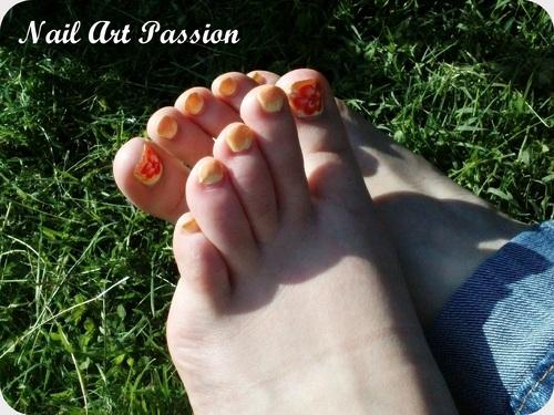 Nail art sur les pieds : mon 1er one stroke !