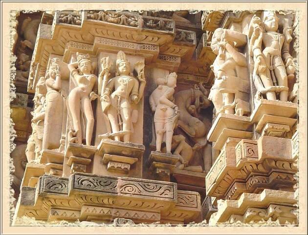64 - Temples hindous (sculptures érotiques))