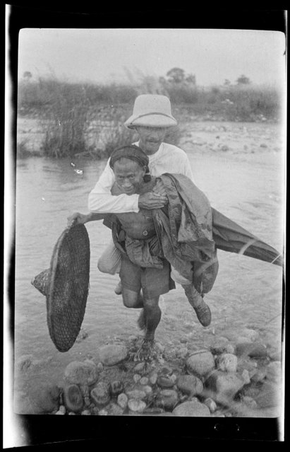 Hillcoat Riding Fu Tu. China, An Xian, 1917-1919. (Photo by Sidney David Gamble)
