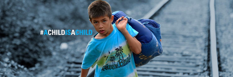 Cinq fois plus d'enfants réfugiés et migrants voyageant seuls | UNICEF  France