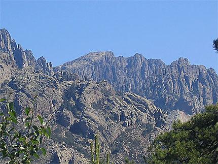 Les montagnes corses : Falaise : Corse : Routard.com