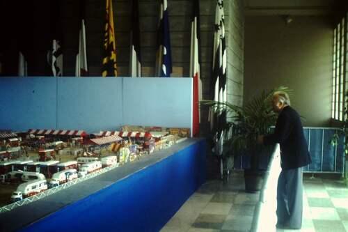 Jean Richard à l'exposition de la maquette géante de Luc Cardin à Brest en aout 1980 ( photo Jean Arnaud)