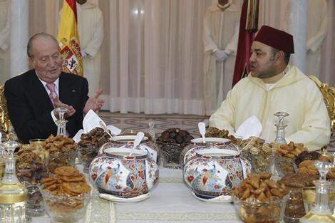 Photos : Mohamed 6 accueil Juan Carlos au fotor à Ramadan