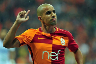 http://cdn.lebuteur.com/data/images/article/thumbs/large-galatasaray-feghouli-signe-un-triple-face-a-kasimpasa-video-fc4ee.jpg