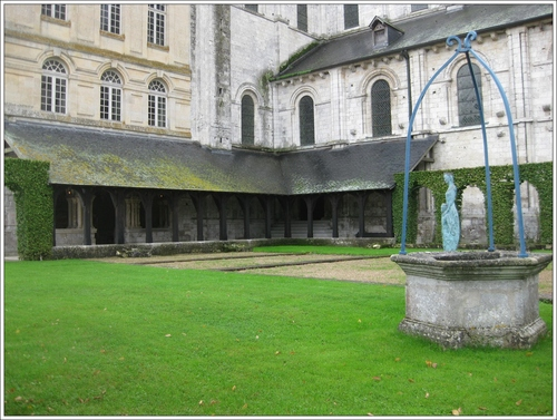La salle capitulaire à St Georges de Boscherville (Seine Maritime)