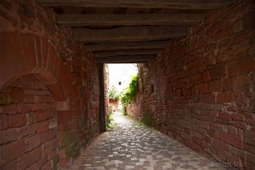 Collonges-la-Rouge - ruelles