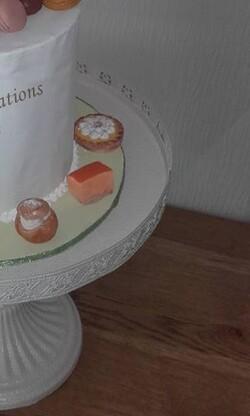 Faux gâteau en porcelaine froide