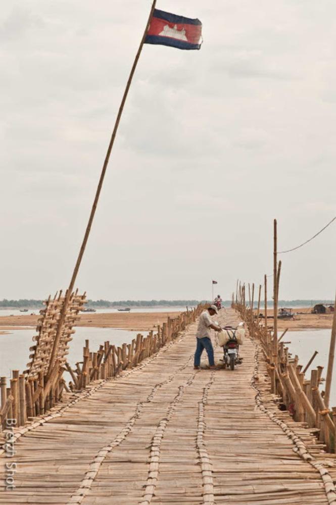 pont en bambou - Koh Paen à Kampong Cham