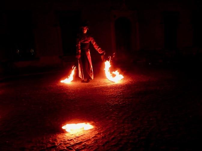 Danse du feu à Meise