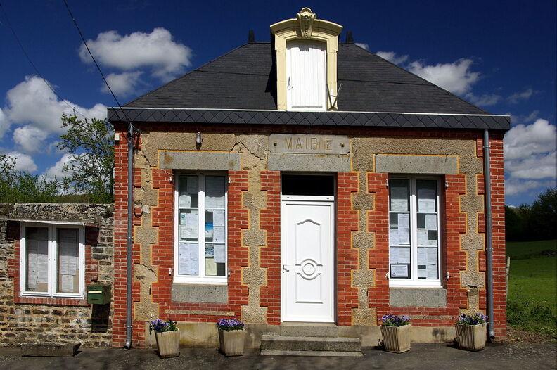 Lapommeraye mairie001.JPG