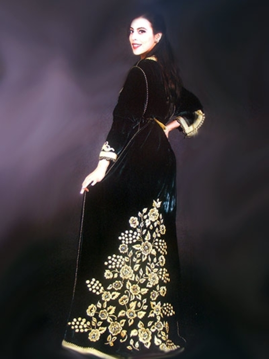 Takchita haute couture en velours brodé en deux pièces avec caftan pour  mariage marocain TAK- e29a819dbdb