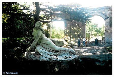 Arles___le_th_atre_antique_2