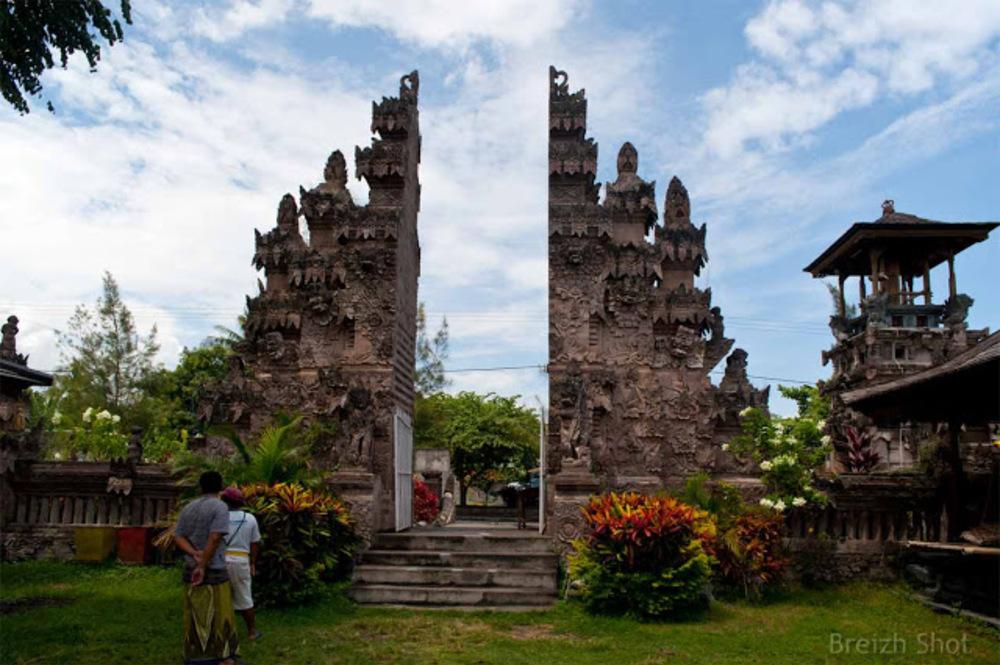 Pura Beji Sangsit : L'entrée monumentale du temple