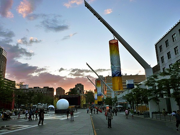 Montreal-Quartier-des-Spectacles.jpg