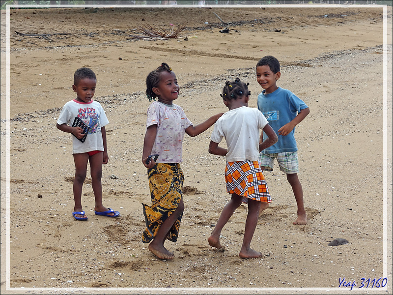 Sur la plage d'Antanambe - Nosy Sakatia - Madagascar