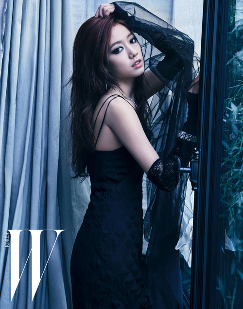 Park Shin Hye pour W Magazine