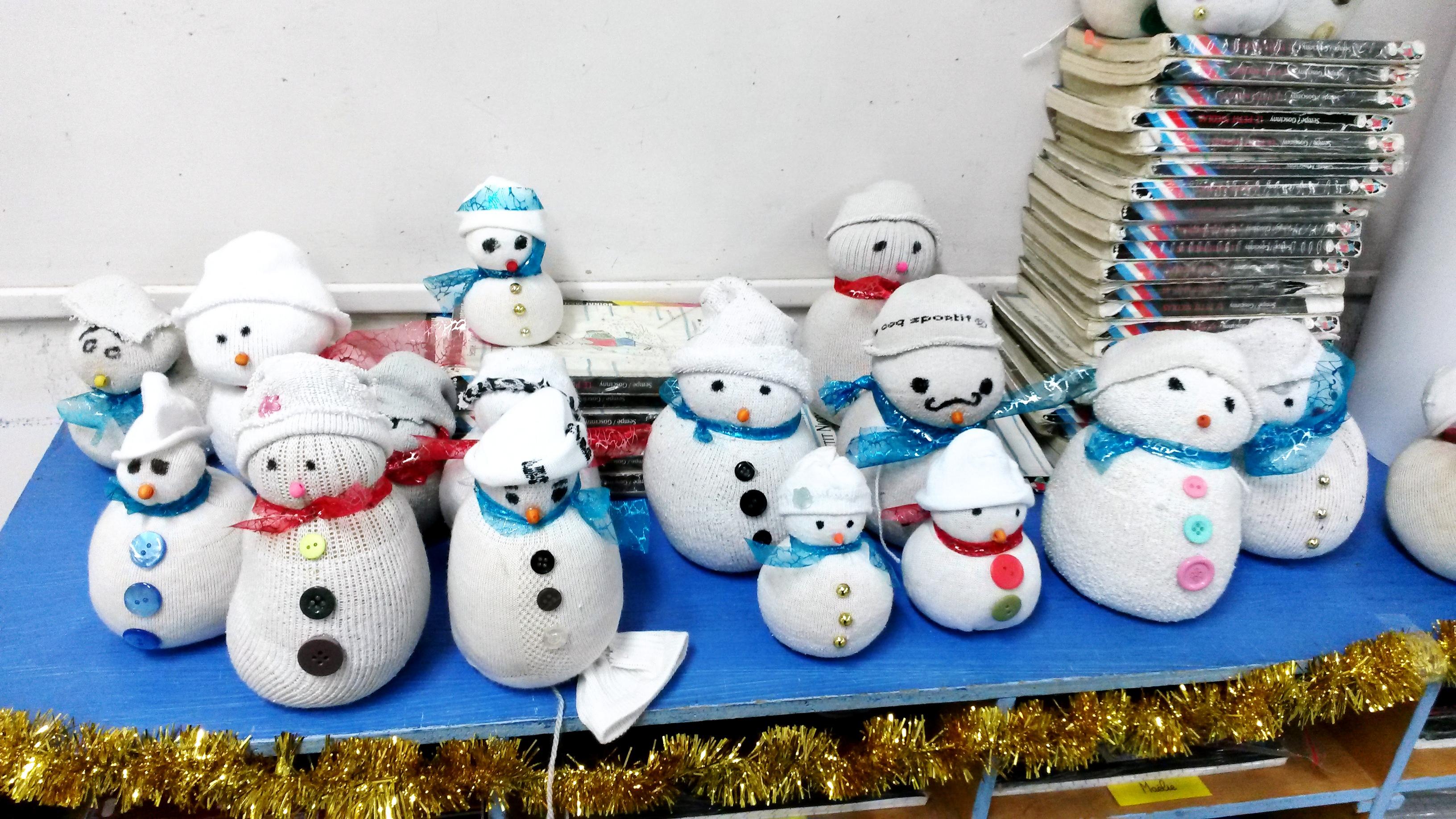 le bonhomme de neige en chaussette - la classe de maoam