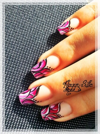 The Sunday Nail Battle - Octobre rose