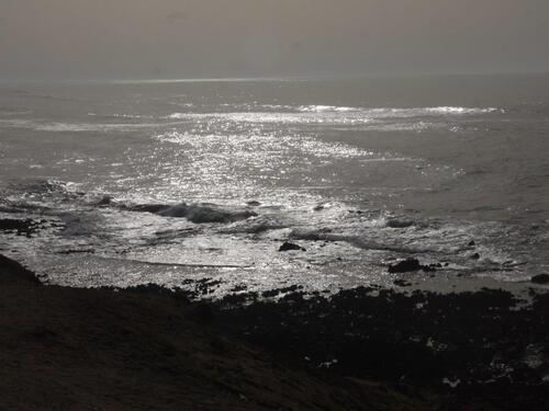 L'océan scintille