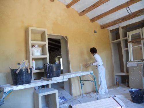 comment recouvrir des tageres en briques avec de la chaux comment faire du pl tre. Black Bedroom Furniture Sets. Home Design Ideas