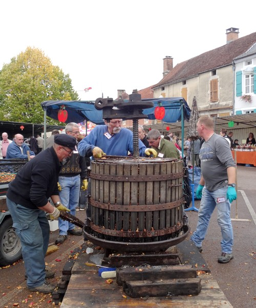 La fête de la pomme à Laignes a eu un très grand succès !