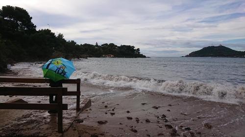 Parapluies à la mer (suite)