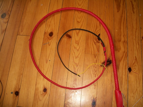 5ft red cowhide bullwhip (suite)