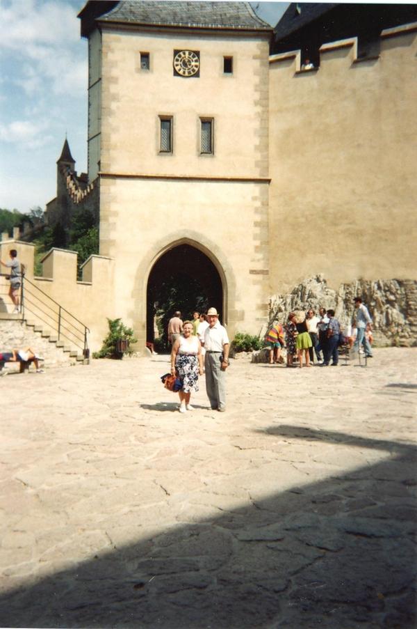 Le château de Karlstein  ET Konopiště château de chasse
