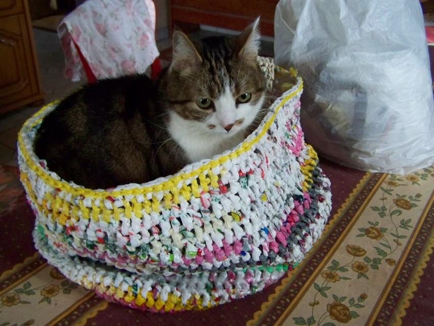 En haut Un sac plastique au crochet - Tout Zazimuth @KW_03