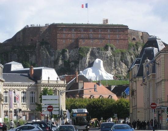 768px-Le_Lion_de_Belfort_avant_son_inauguration_le_18_septembre_2011