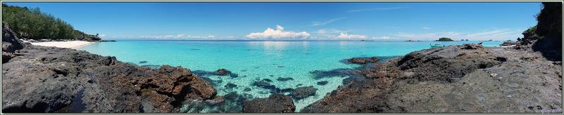 Vues panoramiques de la plage sud de Nosy Tsarabanjina et de la plage du restaurant - Mitsio - Madagascar