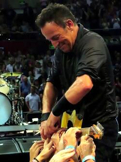 Bruce springsteen : just a singer, or the part of our lives ?