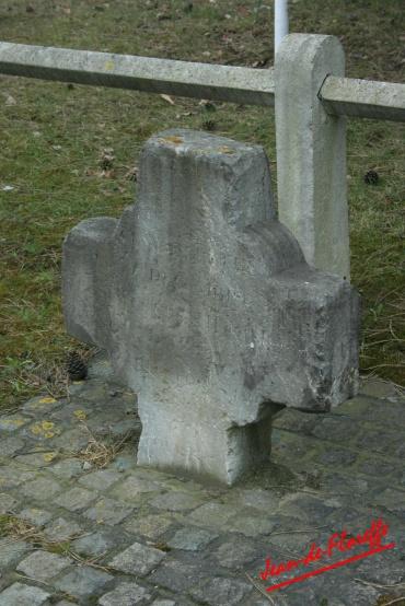 12. Trois croix d'occis