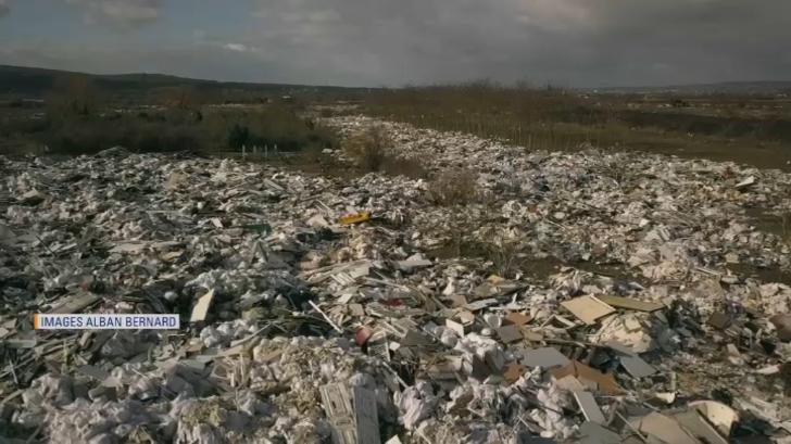 Une mer de déchets à 30 kilomètres de Paris