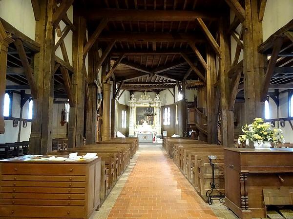 L'église à pans de bois Saint Nicolas, d'Outines (département de la Marne)