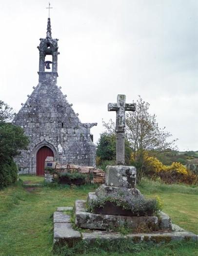 Tonquédec, fontaine Notre-Dame de Kerivoalan