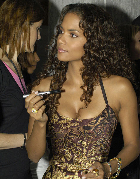 Halle Berry, cheveux longs