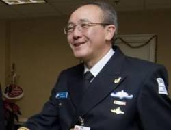 مجرم و شاذ و سكير و قائد للبحرية الإسرائيلية