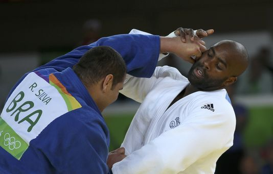 Teddy Riner face au Brésilien Rafael Silva, le 12 août à Rio