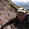 Dans la traversée des barres rocheuses de grès rouge