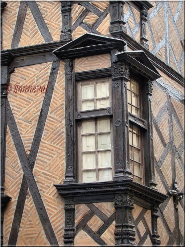 Albi Maison Enjalbert pans de bois sculptés