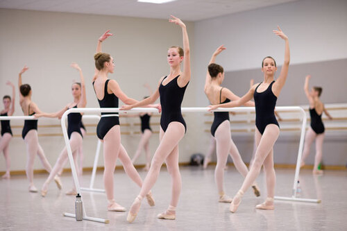 dance  ballet  at the barre