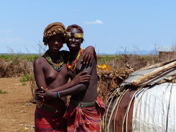 une visite dans un village de l'ethnie des Dassanech au bord de l'Omo