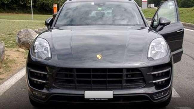 Elle se fait dépasser par sa Porsche Macan... volée la veille