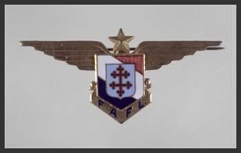 *   Denis GENESTAL DU CHAUMEIL des Forces ariennes Françaises Libres - Un visage sur un nom