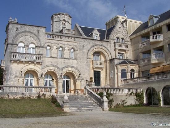 Castel à Saint-Palais-sur-Mer