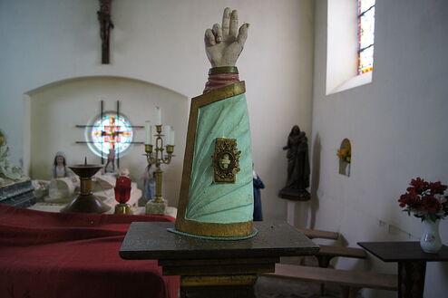 Relique bras Saint-Germain d'Ecosse Eglise Saint-Germain de Saint-Germain-sur-Bresle ERNOUF Guillaume.JPG