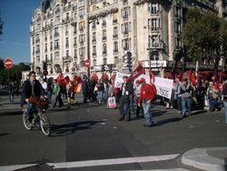 80 000 à Paris