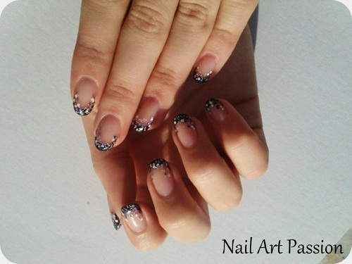 Nail art french noir et mixte pailletté